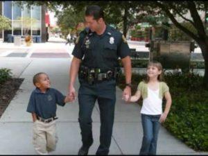 helpfl policeman