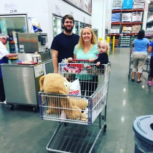 costco-shoppers