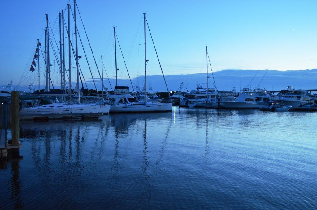 charleston harbor boats