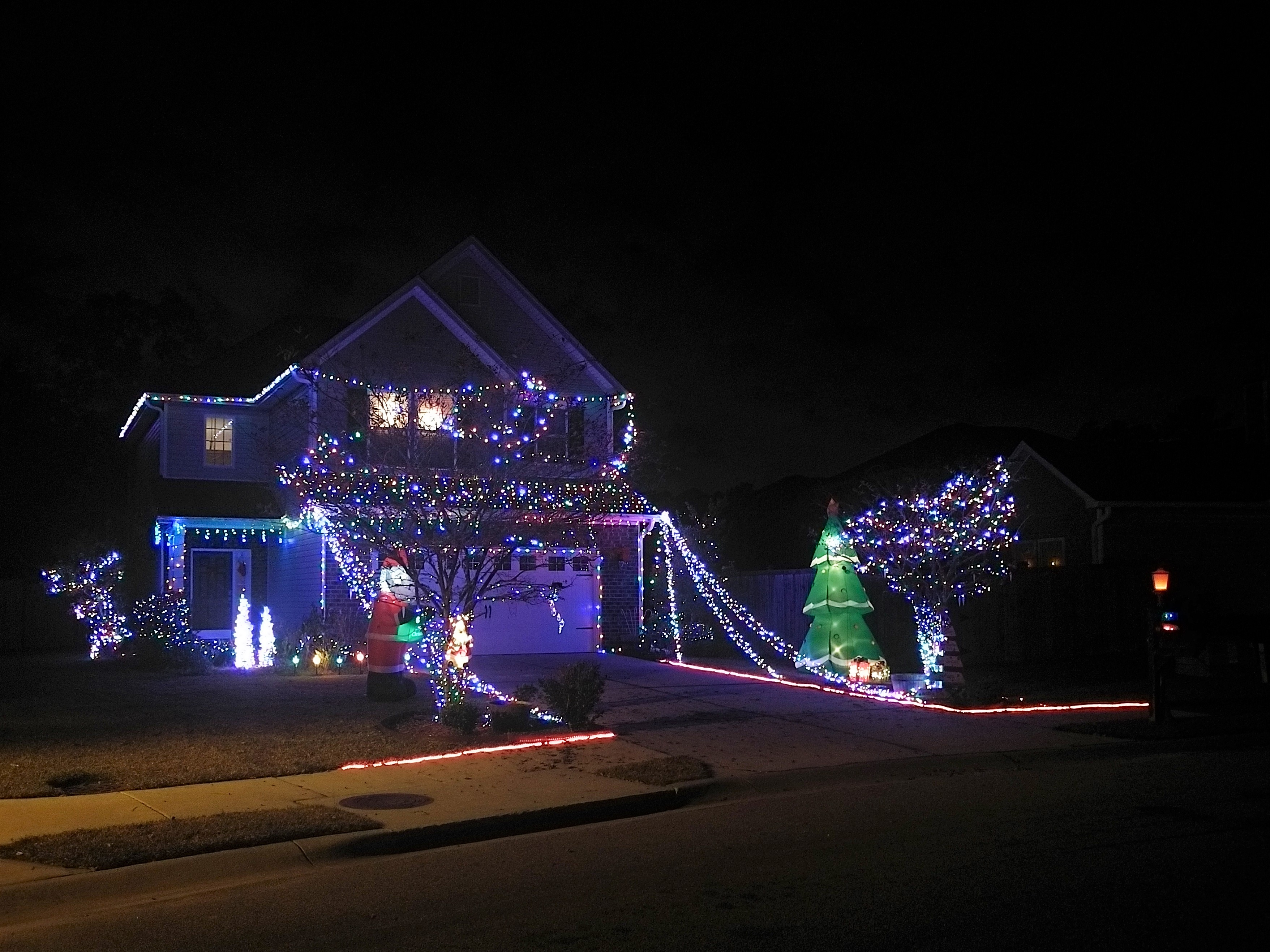 This Holiday Cheer is LIT Charleston Moms Lights