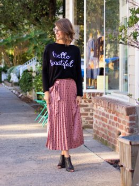 Moms to See in the 843: Renee Smith, Small Boutique Owner wardrobe Charleston Moms